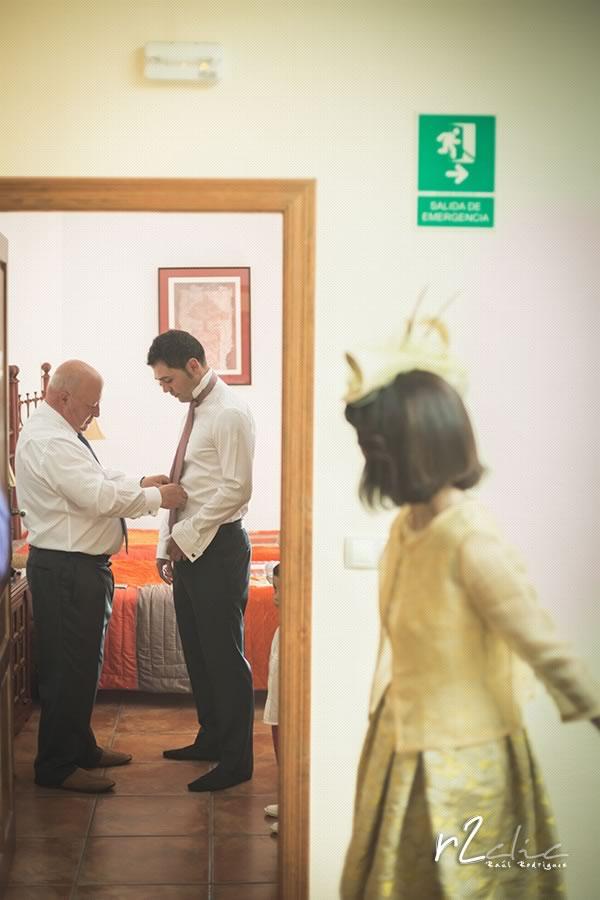 Preparativos del novio en Garrovillas de Alconetar (Cáceres