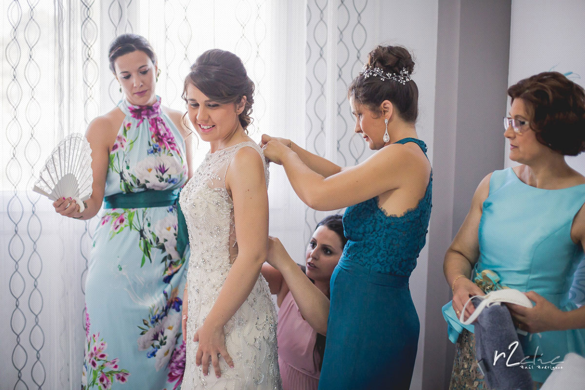 Preparativos de la novia en Navas del Madroño (Cáceres) [Boda MJ&JM]