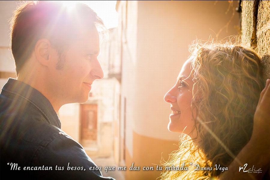 #365VecesTeQuiero – 238 «Me encantan tus besos, esos que me das con tu mirada» Danns Vega
